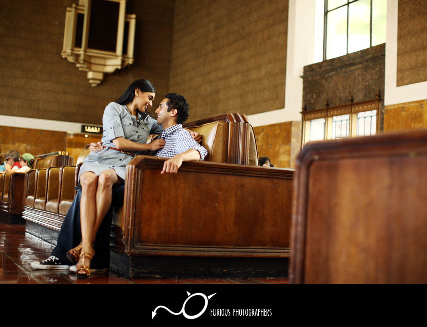 la union station engagement photographer